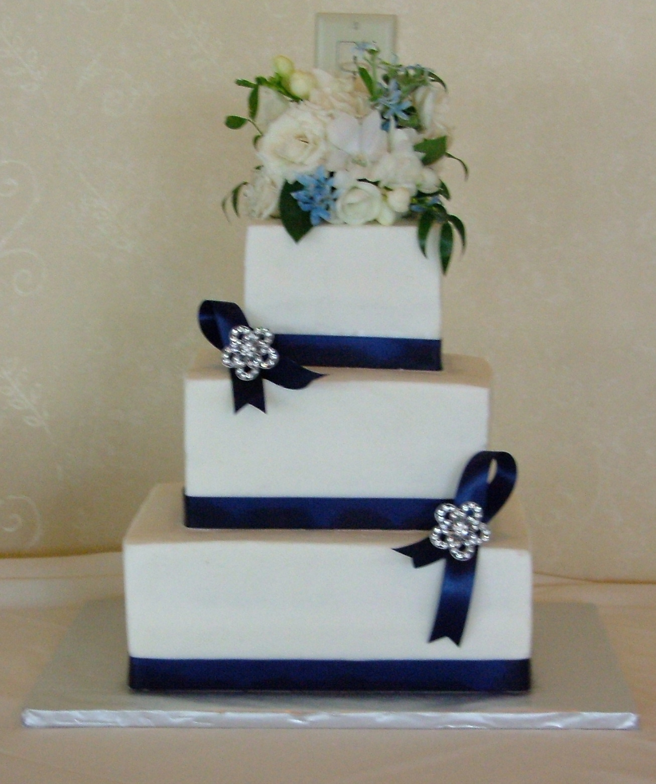 Celebration Cakes by Catherine Bourdon